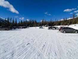 One of the largest parking lots you will encounter at a trailhead!