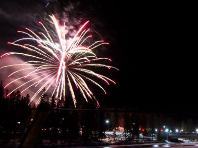 attractions/banff-new-years-eve-fireworks/banff-fireworks-11.jpg