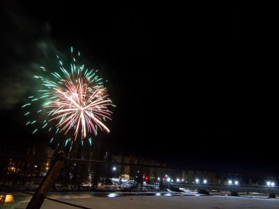 attractions/banff-new-years-eve-fireworks/banff-fireworks-4.jpg