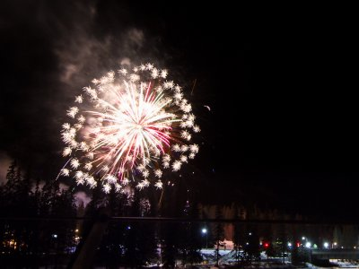 attractions/banff-new-years-eve-fireworks/banff-fireworks-8.jpg