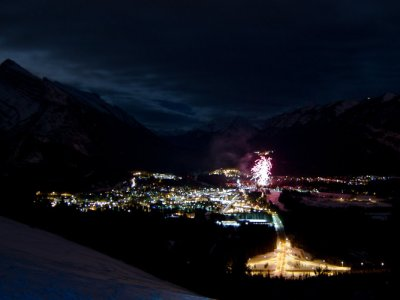 attractions/banff-new-years-eve-fireworks/new-years-banff-31.jpg