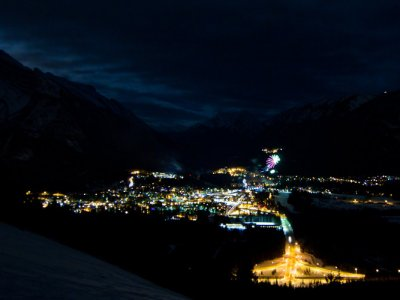 attractions/banff-new-years-eve-fireworks/new-years-banff-35.jpg