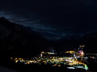 attractions/banff-new-years-eve-fireworks/new-years-banff-36.jpg