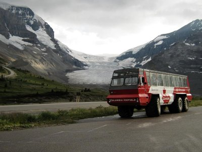 attractions/columbia-icefields-centre/jasper-area-614.jpg