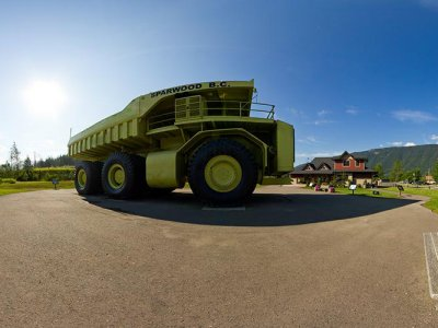 attractions/terex-titan/titan-pano.jpg