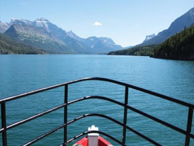 attractions/waterton-lakeshore-cruise/waterton-tour-boat-1.jpg