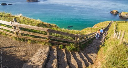 The short walking trail to Carrick-A-Rede Rope Bridge
