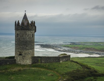 Doonagore Castle, a 16th-century tower house